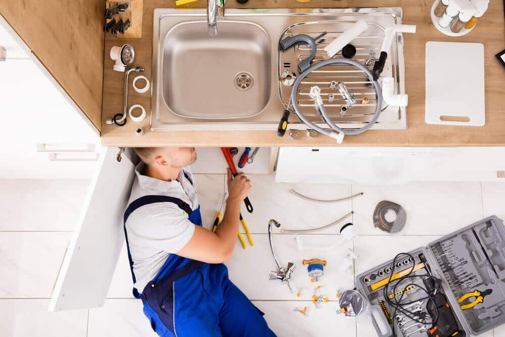 https://www.superiorplumbinganddrains.com/wp-content/uploads/2019/12/superior-plumbing-and-drains-plumber-grease-is-the-enemy.jpg