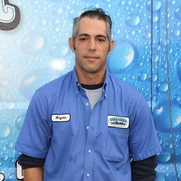 https://www.superiorplumbinganddrains.com/wp-content/uploads/2020/01/superior-plumbing-and-drains-plumber-angelo.jpg