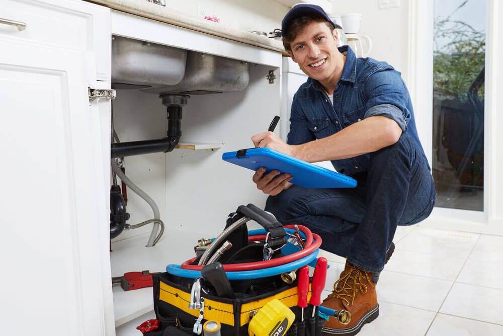 https://www.superiorplumbinganddrains.com/wp-content/uploads/2020/03/superior-plumbing-and-drains-when-should-you-hire-a-plumber.jpg