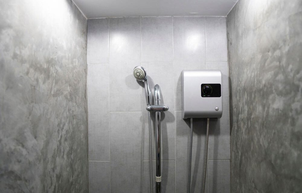 https://www.superiorplumbinganddrains.com/wp-content/uploads/2021/08/superior-plumbing-and-drains-4-biggest-myths-about-tankless-water-heaters-1000x640.jpg
