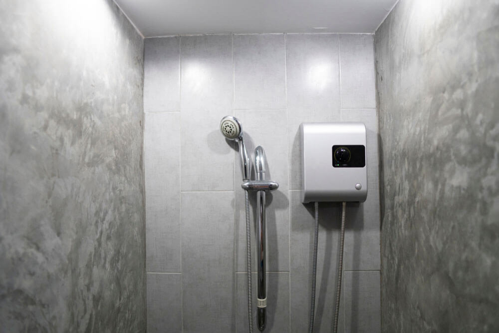 https://www.superiorplumbinganddrains.com/wp-content/uploads/2021/08/superior-plumbing-and-drains-4-biggest-myths-about-tankless-water-heaters.jpg