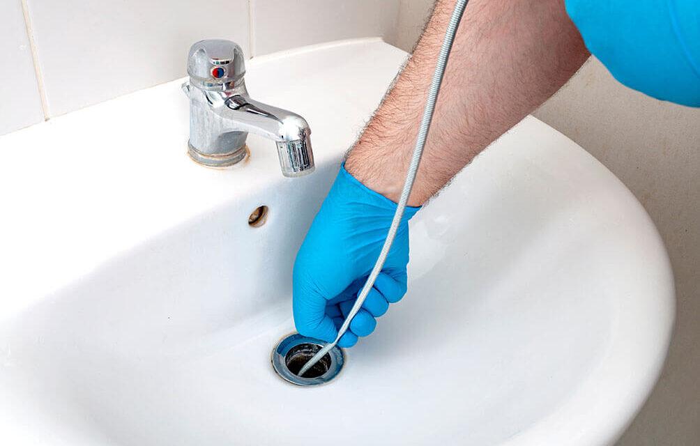 https://www.superiorplumbinganddrains.com/wp-content/uploads/2021/08/superior-plumbing-and-drains-plumber-5-benefits-of-high-pressure-drain-cleaning-1004x640.jpg